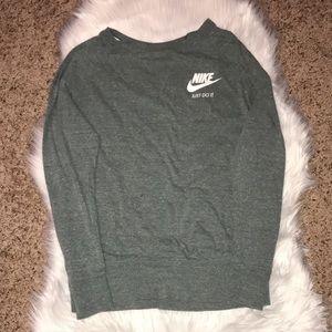 Size large Nike lightweight crew neck